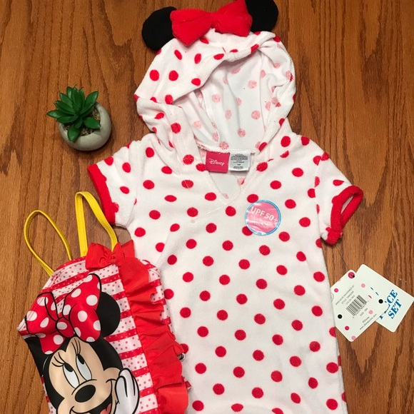 0b5eb8e9aa807 Minnie Mouse 2 piece swimsuit and cover up